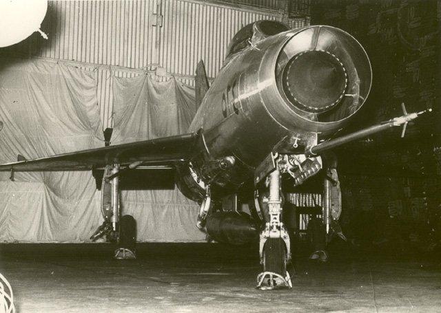 933091912_MiG-21Iraq2.jpg.57d9cd4e8f7a8c95f17c0bc8a59c5306.jpg